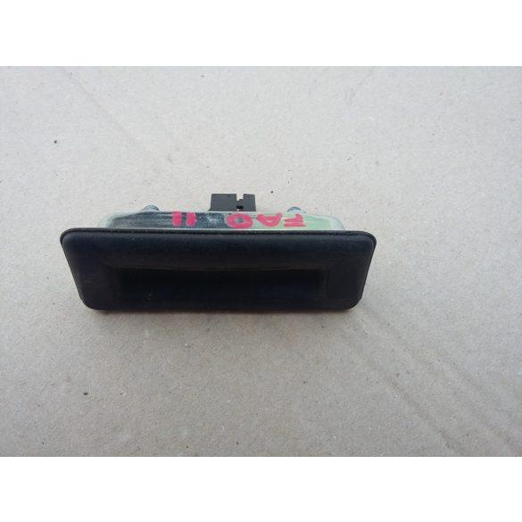 Skoda Fabia II csomagtérnyitó gomb